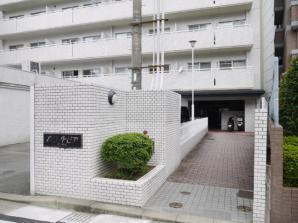 【エントランス】ホワイトピア博多駅南