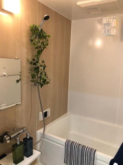清潔感のある浴室が一日の終わりの癒しに。