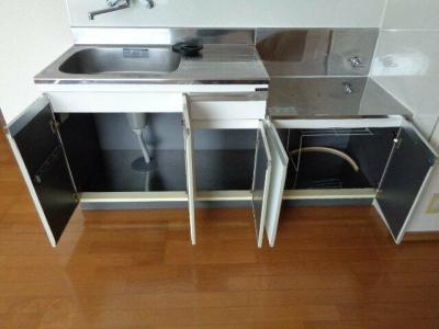 キッチン下収納スペース