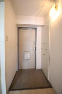 【玄関】ロイヤル六甲駅前