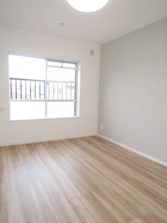 約5.8帖洋室です。