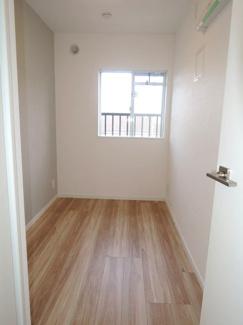 約3.6帖の洋室です。ちょっとしたテレワーク用としても活用可能