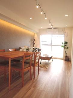広々約15.4帖リビング、収納・DENスペース付で快適空間