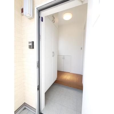 【玄関】ハウス・ルーエ足門