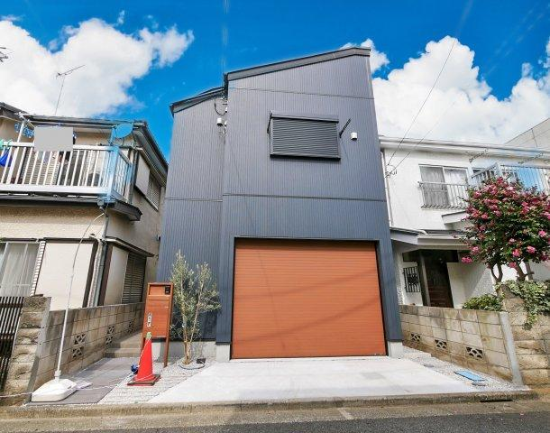 練馬区大泉町2丁目 新築戸建 ~ガレージハウス~ 1LDKの居住空間+電動シャッター付駐車場 (イラストは図面を基に起こしたもので実際のものとは多少異なる場合がございます)