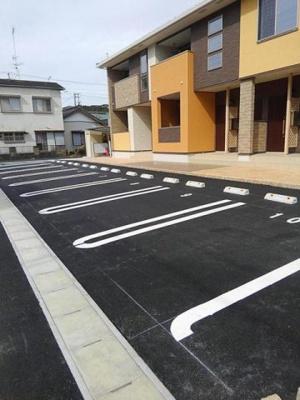 【駐車場】グレイスフル やがみ Ⅱ