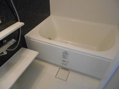 バストイレ別、浴室乾燥機、追い焚き機能付き