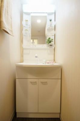 あると便利な独立洗面台です