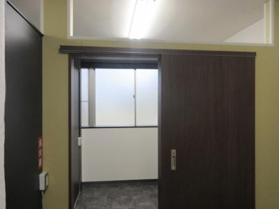 更衣室の入口