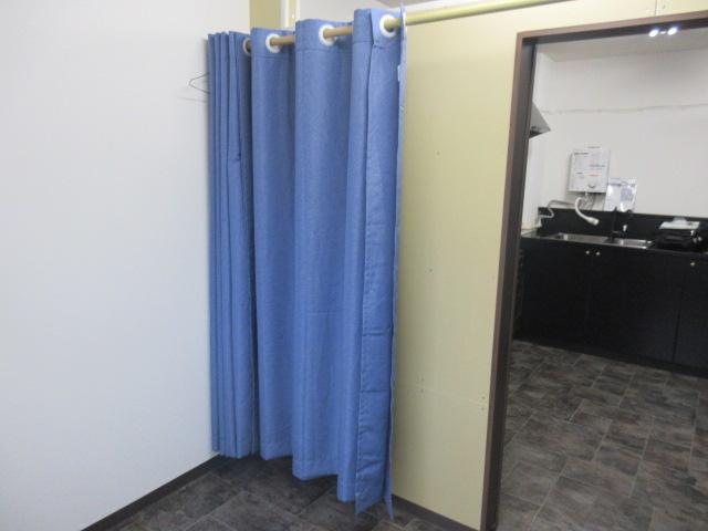 更衣室にカーテン付き