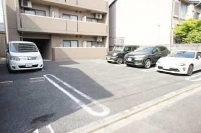 【駐車場】ブランメゾン八龍