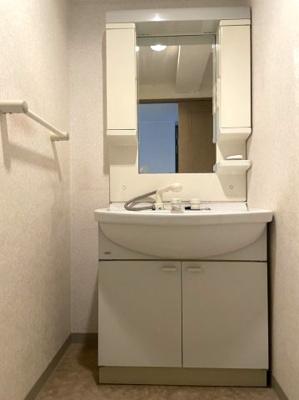 シャワー水洗付き洗面台