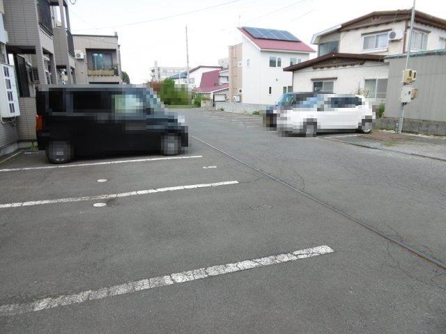 【駐車場】シティパレスフォンテーヌC棟