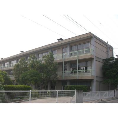 小学校「上田市立東小学校まで1148m」