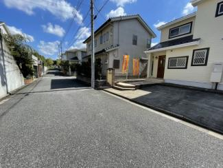 交通量の少ない安全な住宅街の6m道路