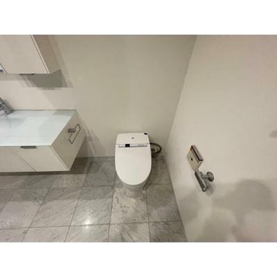 【トイレ】クエストコート原宿