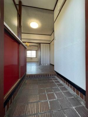 【玄関】王居殿公社ビル