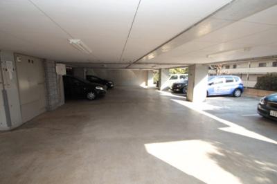 【駐車場】イル・ニード