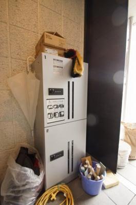 不在時でも荷物を受け取れる、「あると便利な宅配BOX」