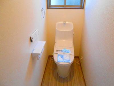 各階温水洗浄便座機能付きトイレ完備 ※同仕様写真
