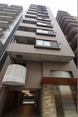 JR京浜東北線「鶴見」駅より徒歩5分のマンションです。