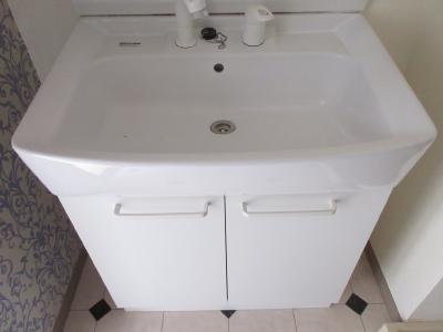 洗面台横には洗濯機置き場があり使い勝手便利です
