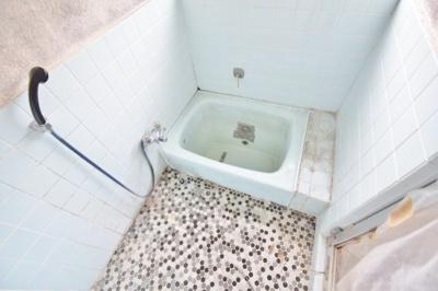 【浴室】東新町4丁目貸家