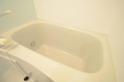 追い焚き機能付きのお風呂です