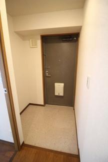 【玄関】ウエストコート8番街1番館