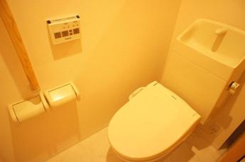 シャワー付トイレ
