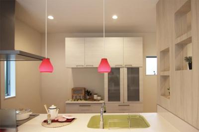 広く使えるキッチンはお料理の幅も広がります♪毎日使うキッチンだからこだわりたいですよね(*^_^*)当社施工例です!