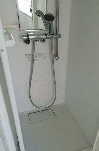 シャワールーム・トイレ別