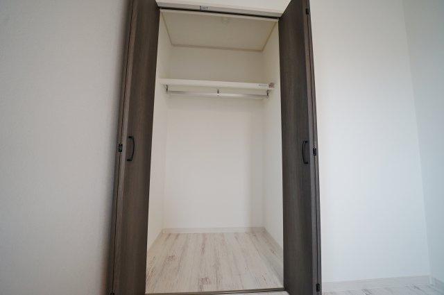 収納付きでお部屋の空間を有効におつかいいただけます。