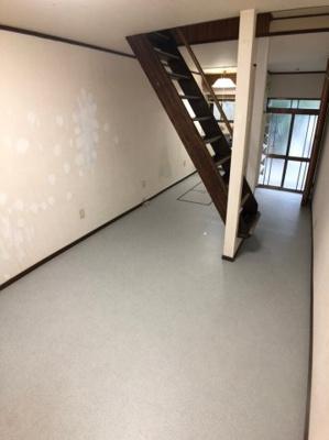 【居間・リビング】枚方市北中振3丁目中古テラスハウス