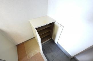 玄関にはちょっぴりコンパクトな下駄箱