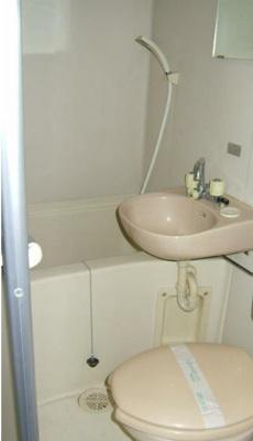 トイレとバス同室です。