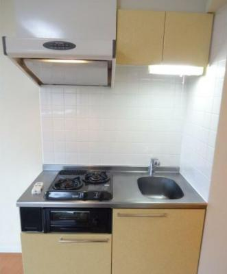 キッチンは二口コンロが完備されております。