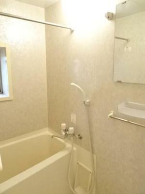 【浴室】ロワールカトリエーム新山下
