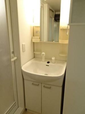 洗面台にはシャワーヘッドがついております。