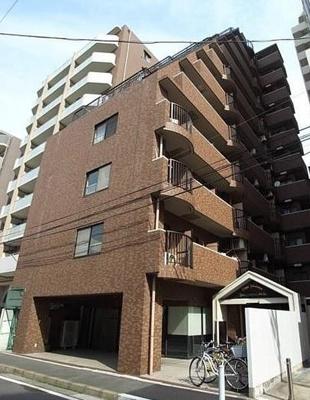 こちらの物件建物はSRC構造の11階建てです。お部屋は7階に位置しております。