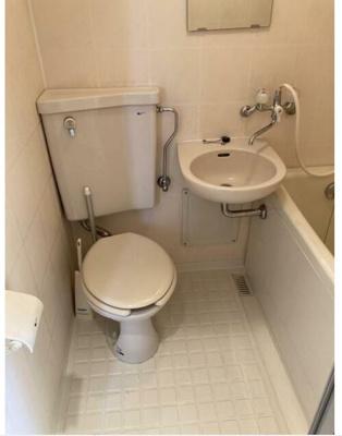 トイレ、バス、洗面所は同室タイプです。