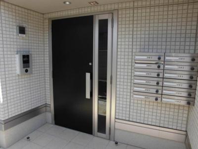 【エントランス】ヴィーブルS武蔵新城