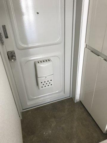 【玄関】カールトンコート