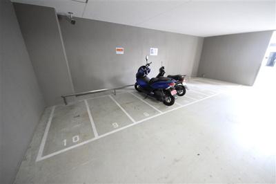 【駐車場】エスプレイス難波サウスゲート