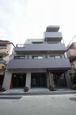 京浜急行線「大森町駅」徒歩7分の築浅マンションです。