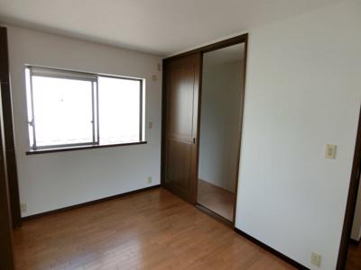 2階北側・洋室:約6.5帖 収納