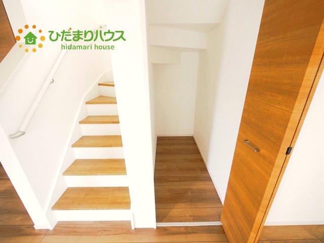 手摺付きで安心の階段!