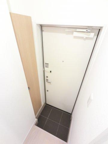 【玄関】ルミエール B棟