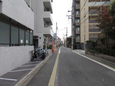マンション前の道路