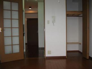 居室扉と収納